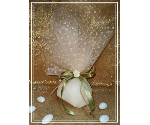 Μπομπονιέρα γάμου τούλι και λουλούδι